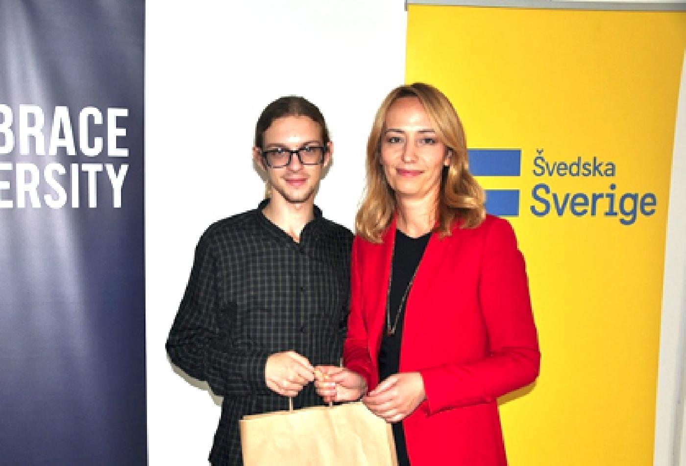 Student Alen Glišović osvojio prvo mjesto na takmičenju u prevođenju